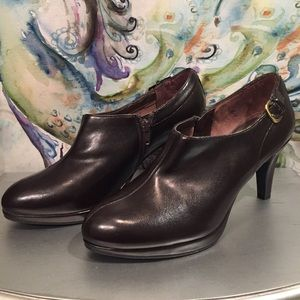 Lift Stride brown heel. In new condition size 9.5